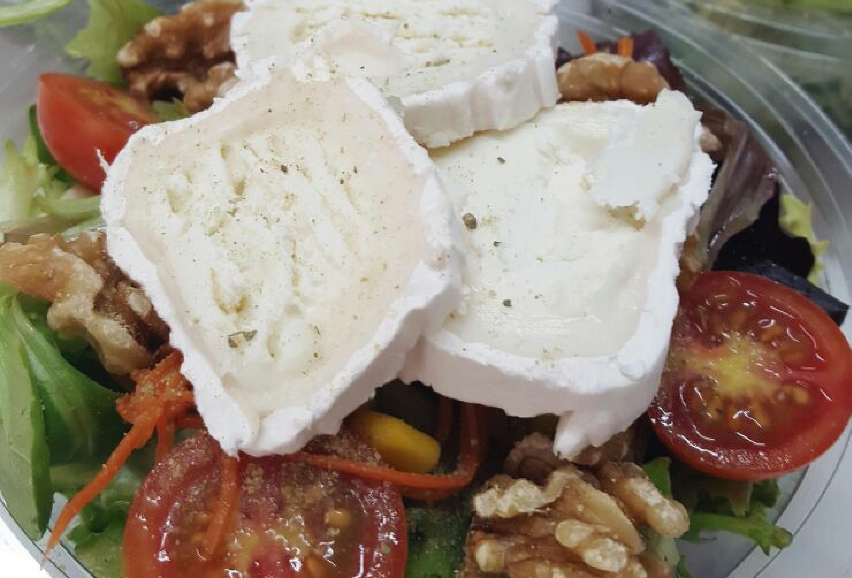 Ensalada de queso de cabra y nueces